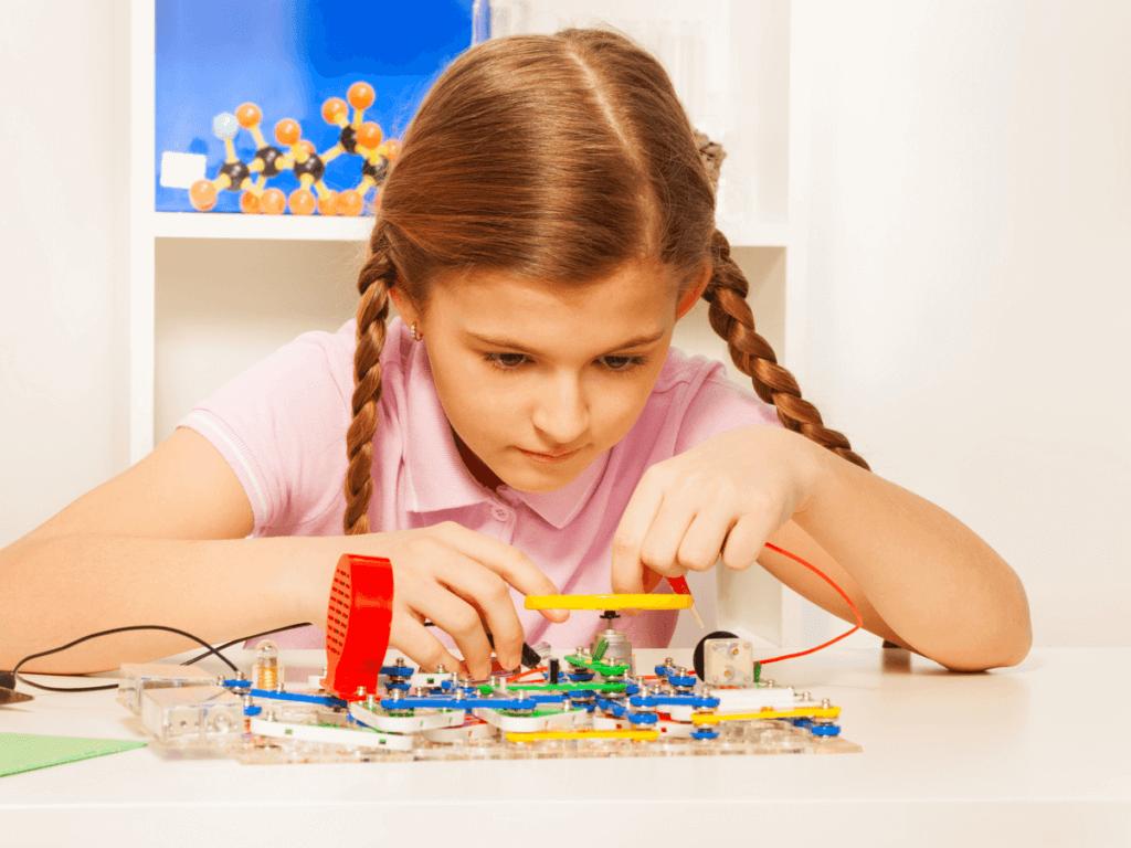自由研究(小学4年生)はどんなテーマや工作、実験がおススメ?