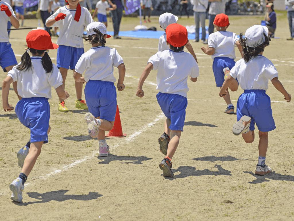 幼稚園の運動会の服装は?子供のママやパパの服選びポイント!