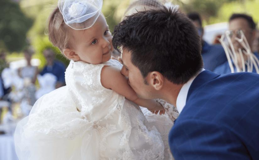 結婚式で子供へのプレゼント!お菓子の相場はいくら?