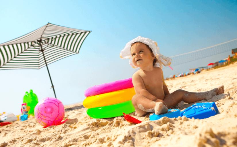 赤ちゃんや幼児の海水浴はいつから?海の家使える?
