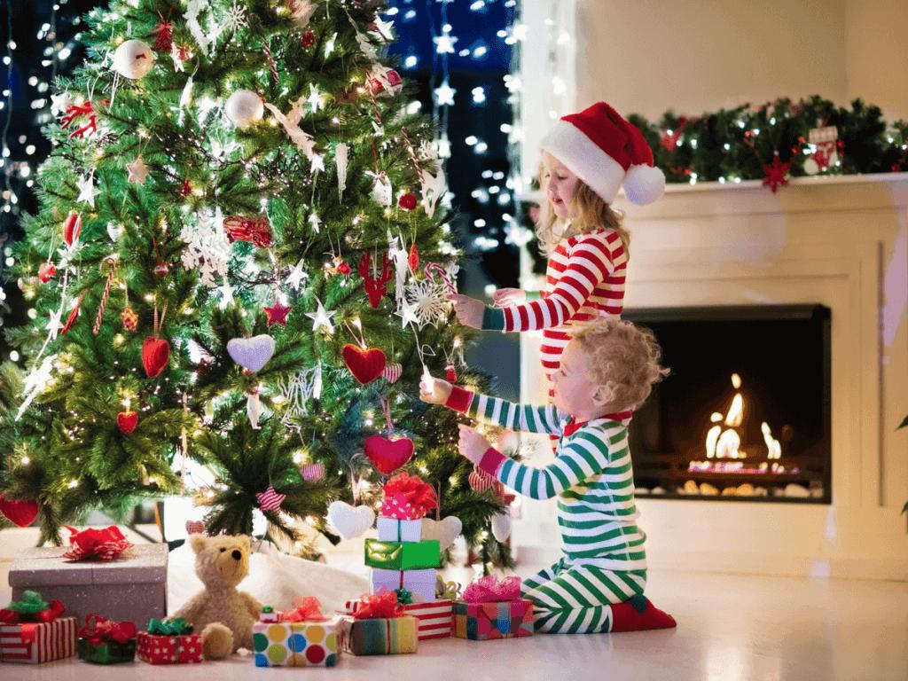 子供と一緒にクリスマスツリーを手作りしよう!