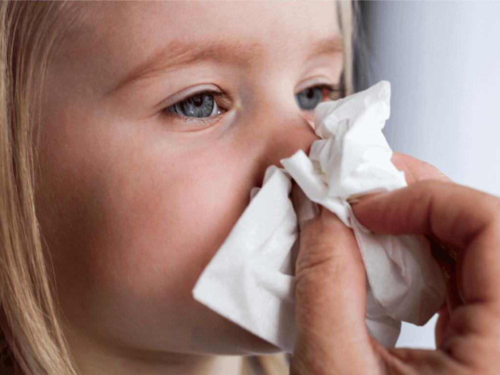 【医師監修】赤ちゃん・子供の鼻血の原因と対処法!止まらないときはどうすべき?