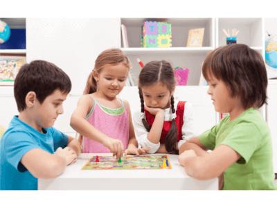 【2019年度版】家族で遊ぶなら「人生ゲーム」がおすすめ!人生ゲームの最新版、無料アプリやオンラインゲームも紹介!