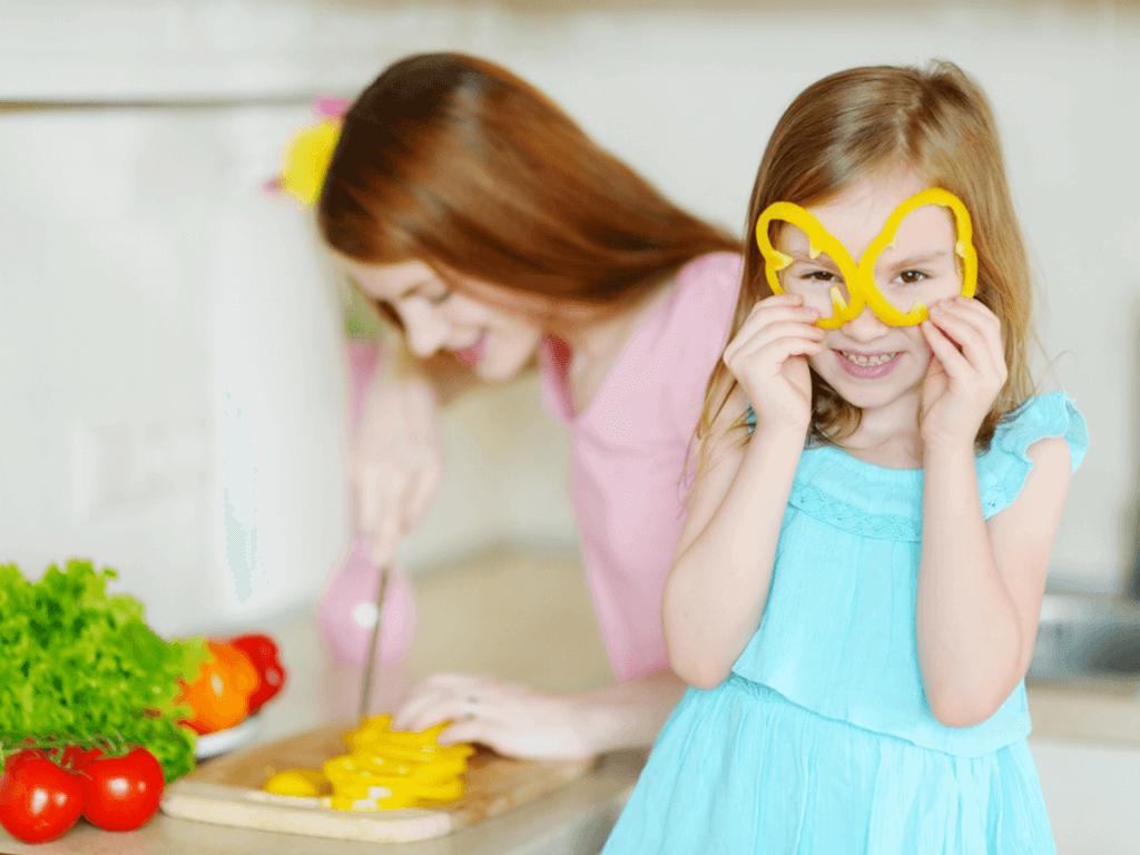 子供が遊びながら食事を楽しめる?!斬新な食卓アイディアがTwitterで話題