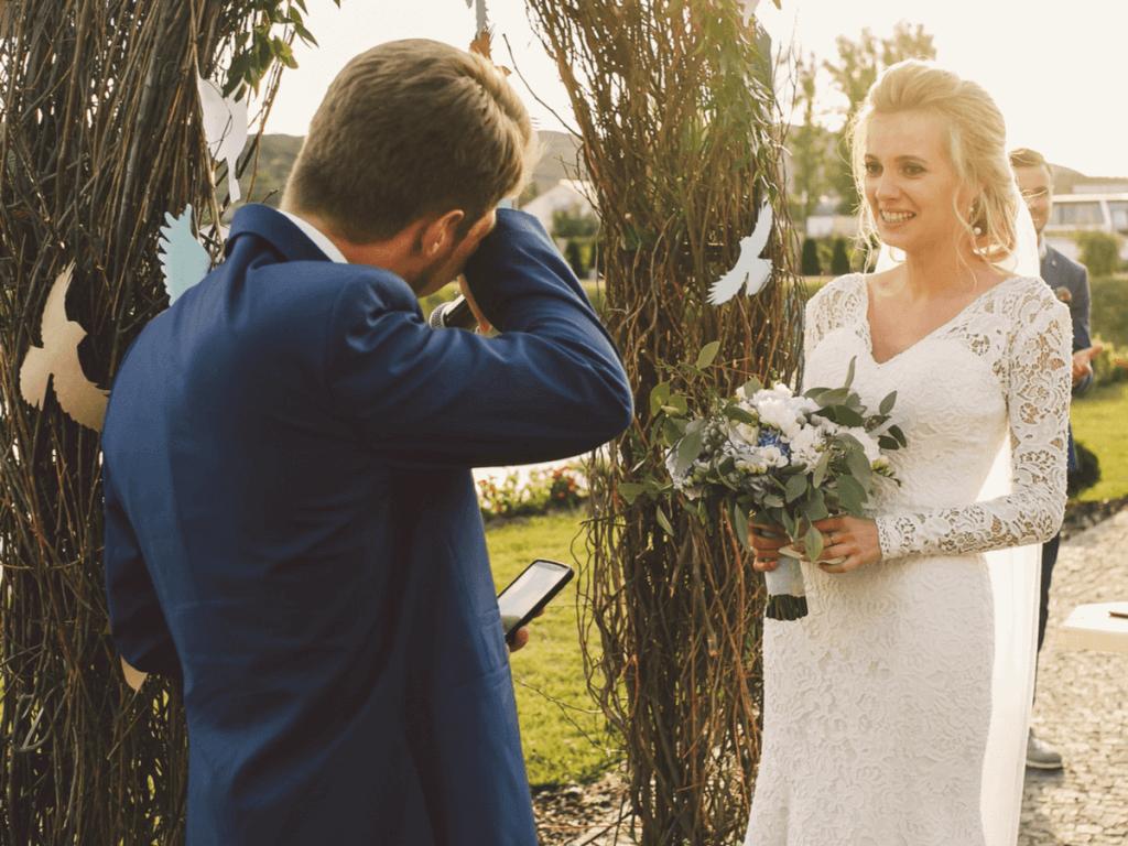 新婦よりも新郎が号泣?!イマドキ夫婦の結婚についてアンケート調査