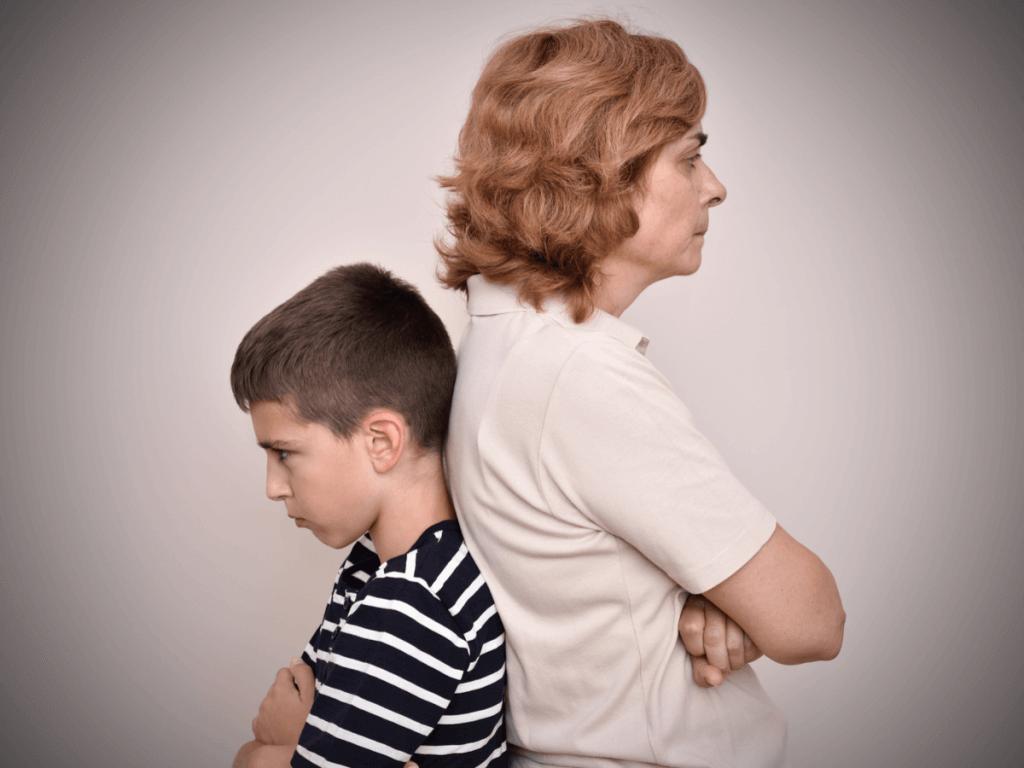 【医師監修】子どもの思春期、親はどうしたらいいの?~心身の変化と親子関係の変化について~