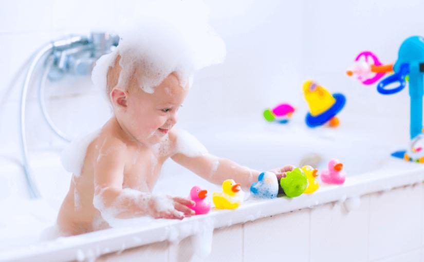 今日から赤ちゃんもお風呂大好きに!3歳まで遊べるお風呂おもちゃ16選
