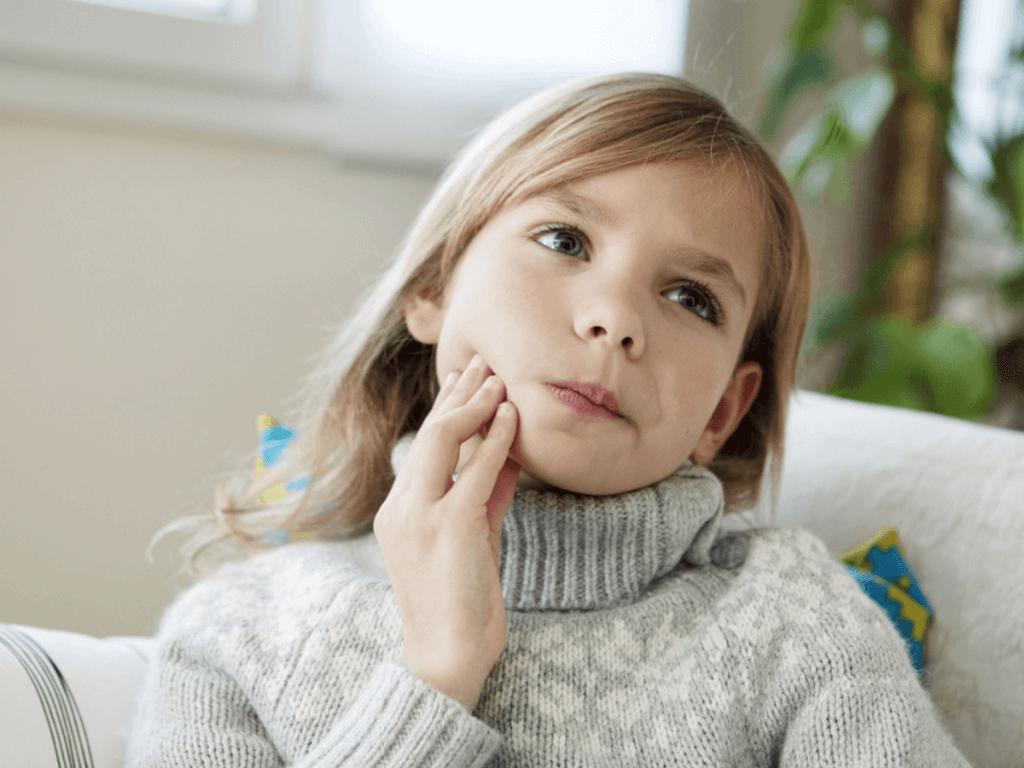 【看護師監修】子どもだけじゃない!大人や妊婦も気を付けたいおたふく風邪の症状や感染経路、治療、予防方法について
