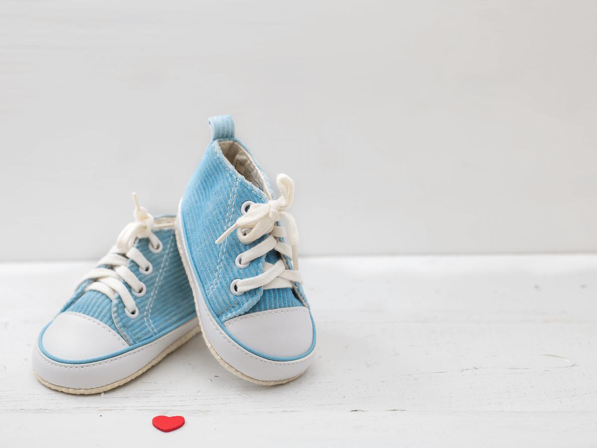 赤ちゃんの伝い歩きはいつごろから?練習方法や知っておきたい注意点8つ(2)