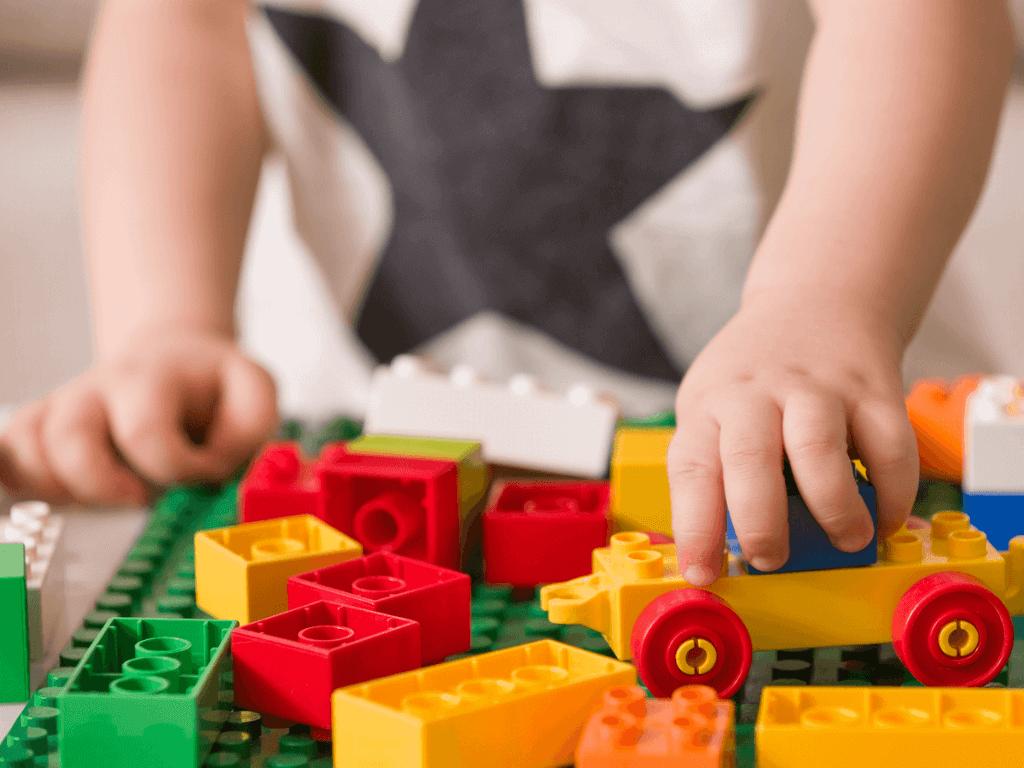 【2019年度版】知恵玩具「ラキュー」が大人気!その効果とおすすめセット12選