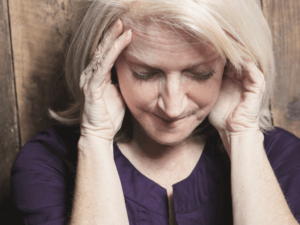 【医師監修】女性や男性もなる更年期障害の症状・原因とは?今すぐできる予防法と緩和法を知ろう