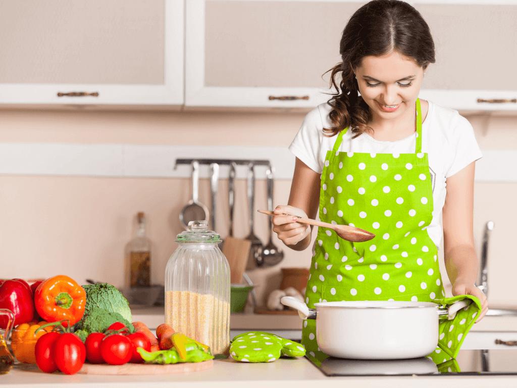 毎日の献立を考えてくれる、ママにおすすめの無料アプリ9選!栄養バランスや冷蔵庫の中も管理してくれるお助け機能が満載