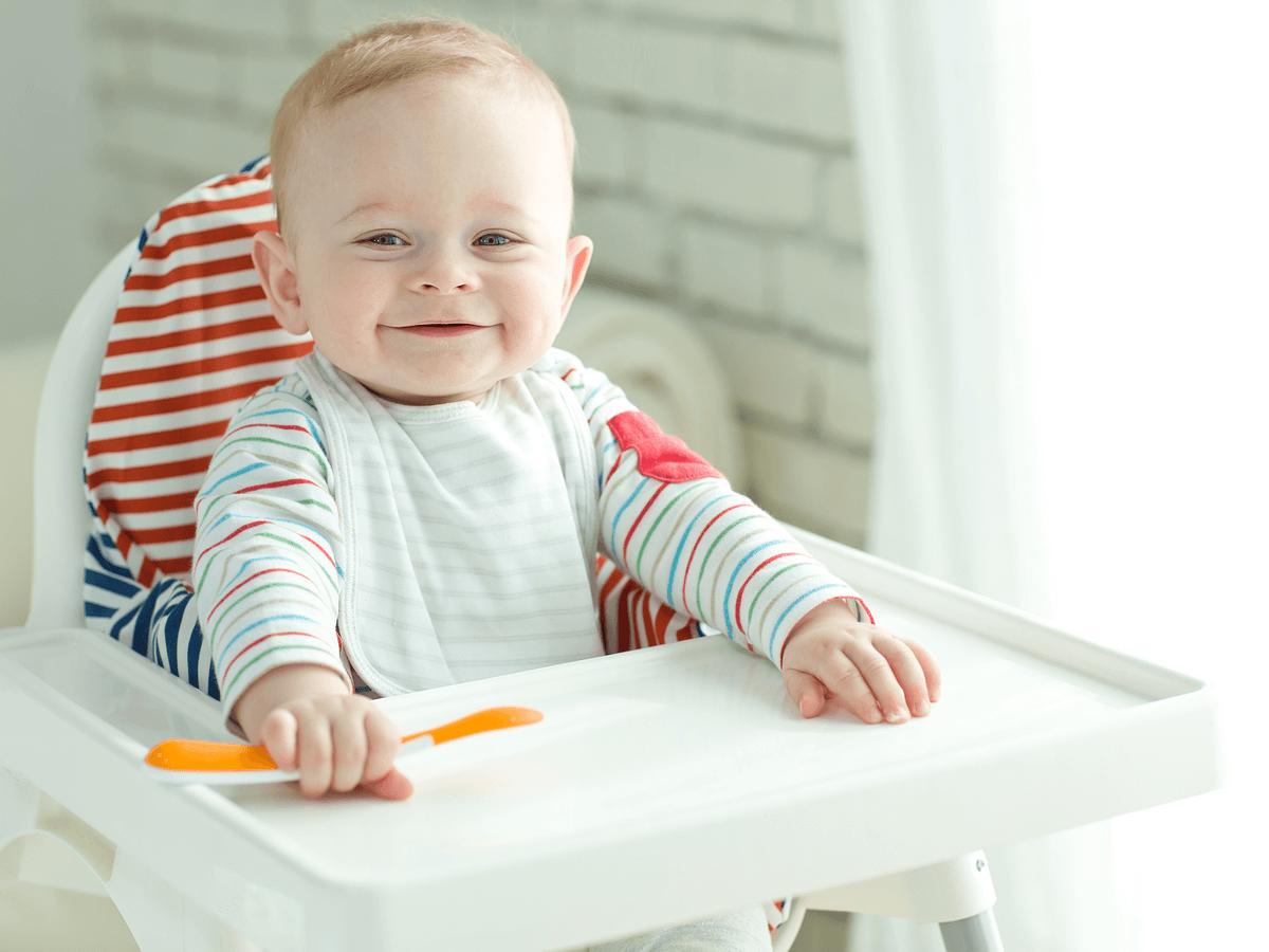 子供を座らせる椅子は、普通の椅子よりベビーチェアが人気!