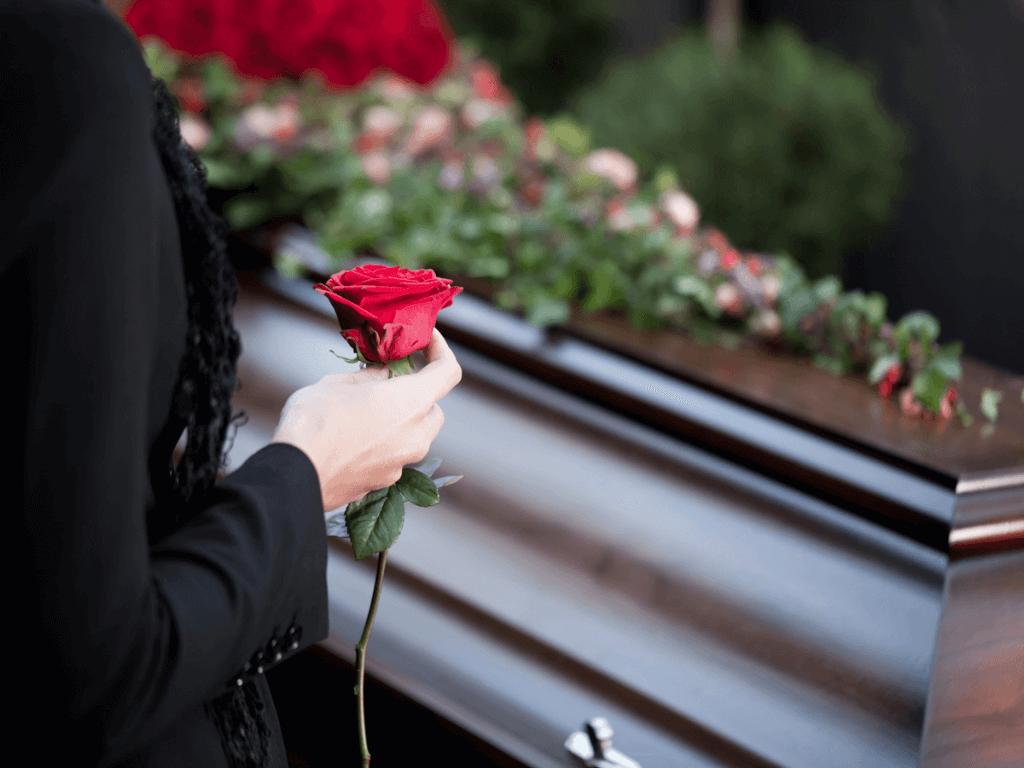 家族葬とはどんなのもの?知っておくべきマナーや香典、費用について