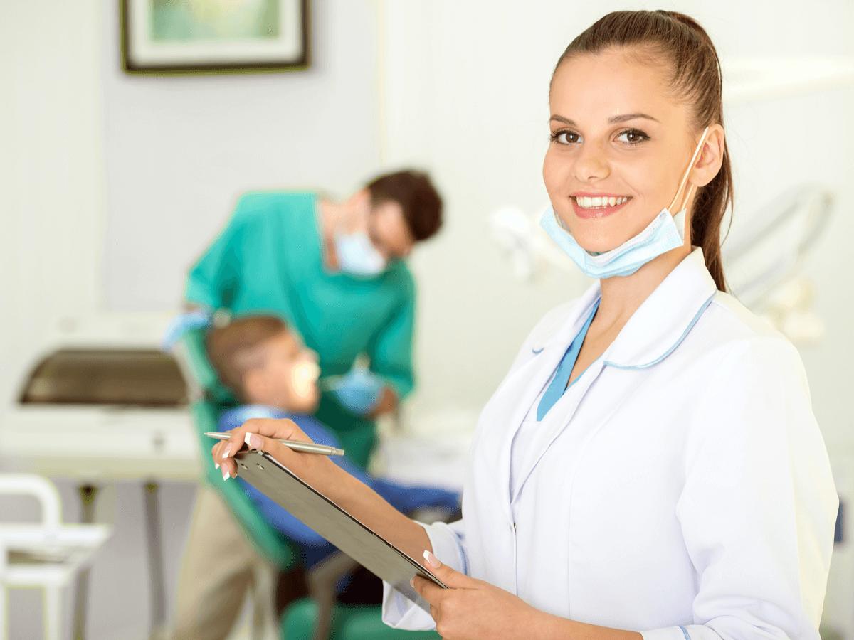 歯科助手とはどんな仕事?その仕事内容や資格を分かりやすく徹底解説