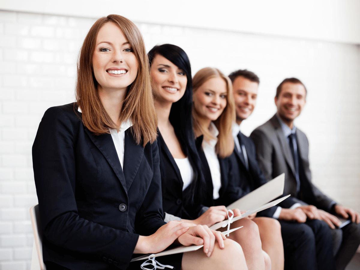 公務員は将来の安定性抜群で学生から人気!意外と知らない職種の幅と仕事内容について詳しく解説