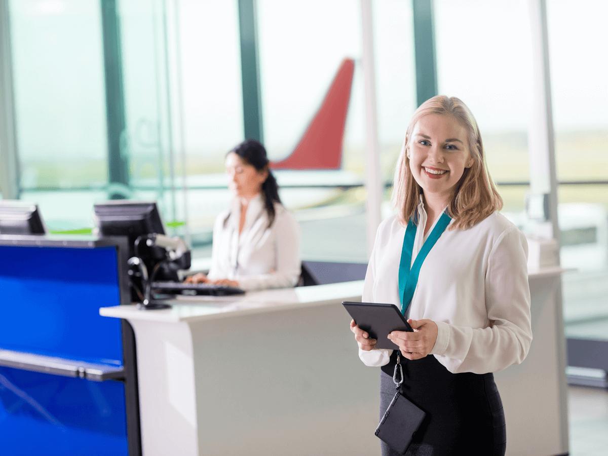 グランドスタッフは空港で働く接客のスペシャリスト!仕事内容とやりがい・大変さを詳しく解説