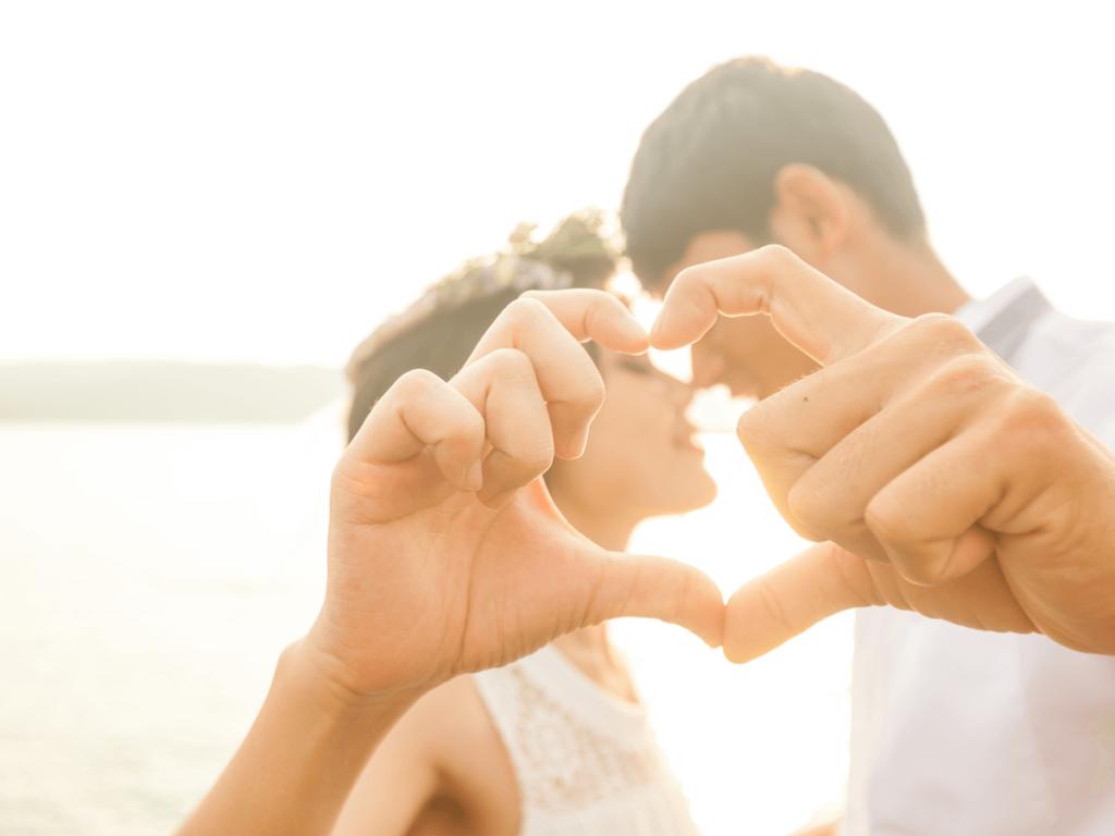 結婚10周年は旅行や家族写真がおすすめ!夫婦・家族で祝う、更に絆が深まるプレゼントアイディア8選