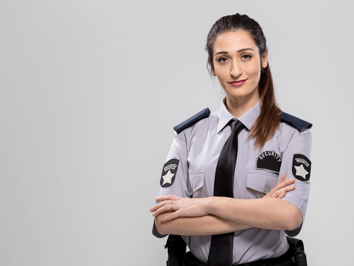 警察官は国民の安心と安全を守ってくれる仕事!なるために受ける試験内容とその気になる階級分けとは