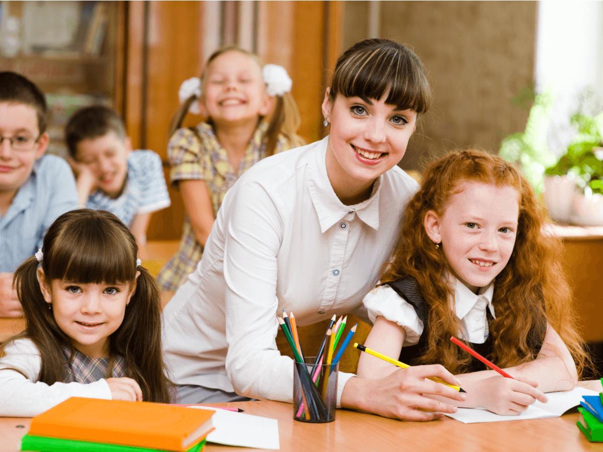 小学校教師は子どもの未来を創る!向いている人の特徴とやりがいについて