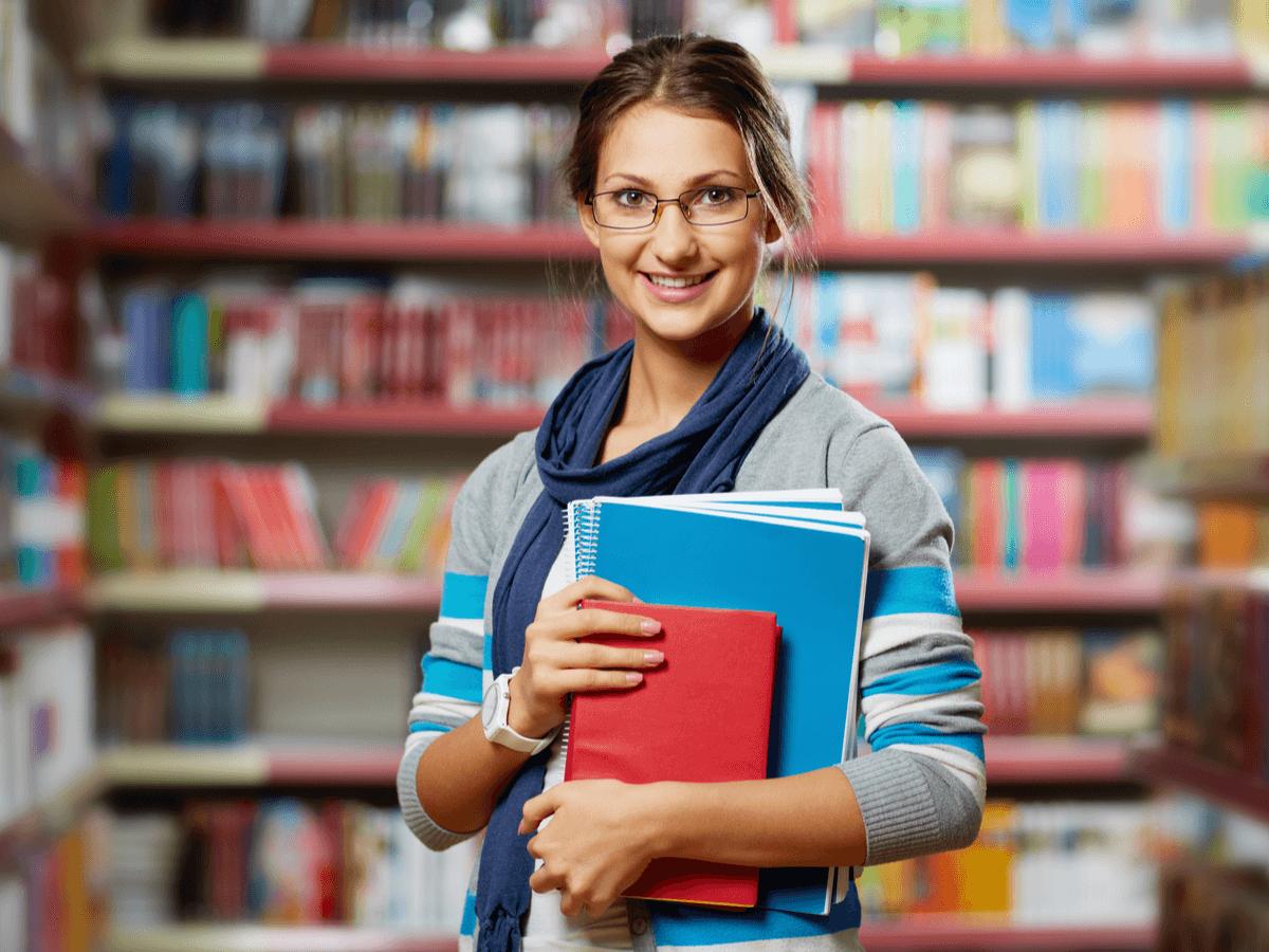 図書館司書は本が好きなだけではなれない!?必要な資格とIT化が進む中での現在の就職状況とは