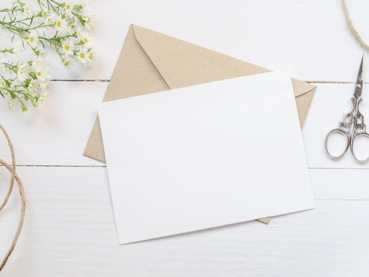 就活時、封筒の書き方ってどうすればいいの?送付マナーをしっかりおさえて印象アップ!