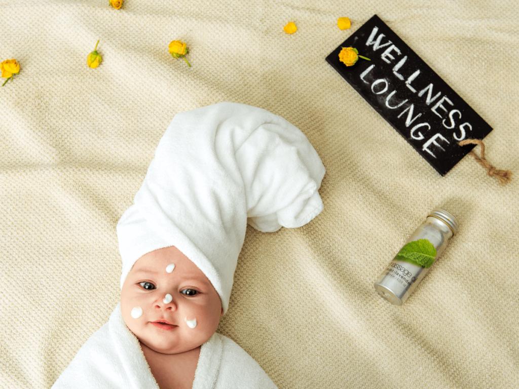 ベビーローションとオイルの違いってなに?夏も冬も赤ちゃんの肌を守るおすすめ商品10選