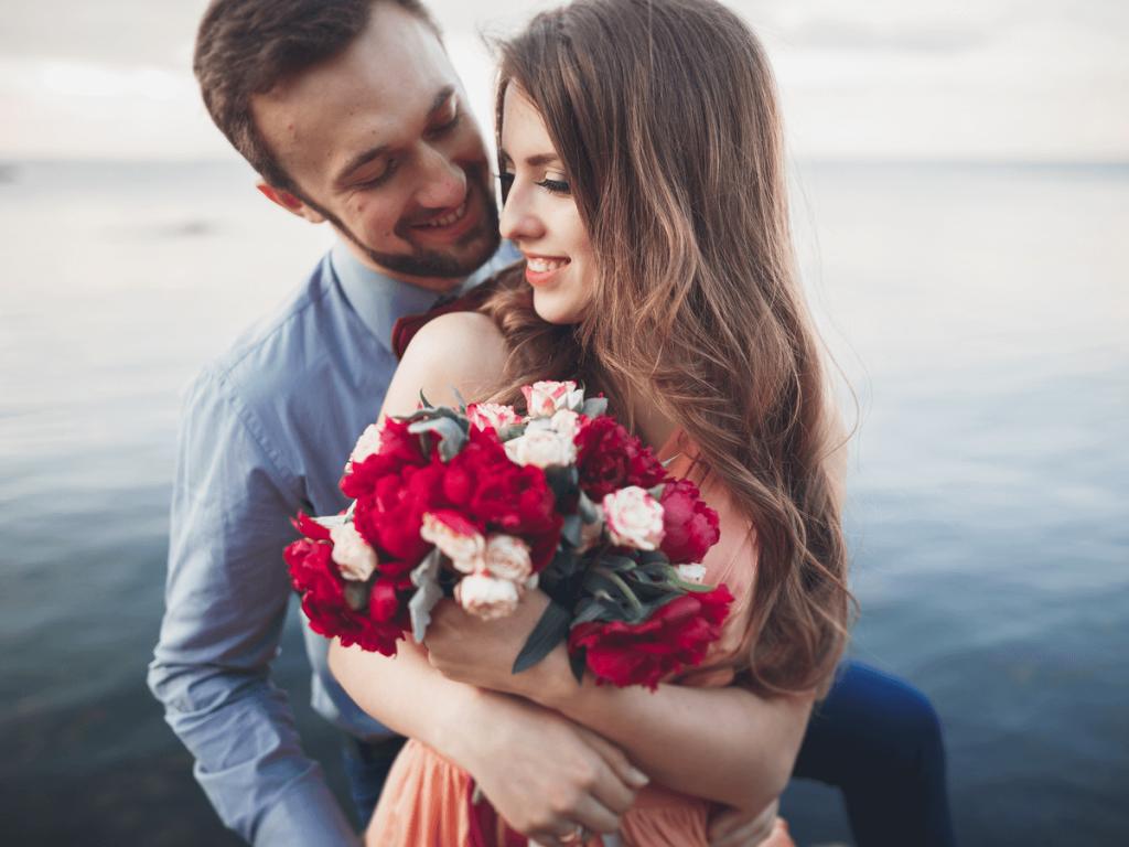 【バラの花言葉一覧】夫婦関係を密にしてくれる?色や本数別の奥深い意味とは