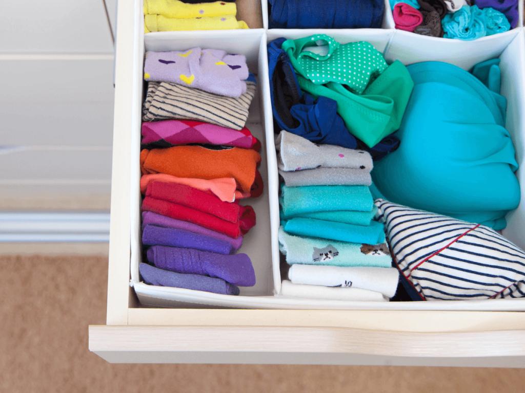 牛乳パックで収納箱が簡単に作れる!子どもの衣類やおもちゃ、キッチン周りの収納アイデア11選