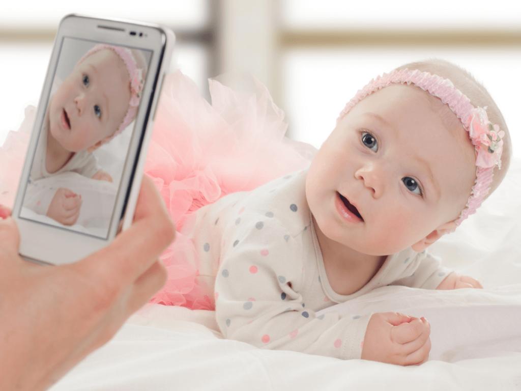 『ベビー時計』とは?赤ちゃんモデルも夢じゃない応募写真の撮り方のコツや合格率について