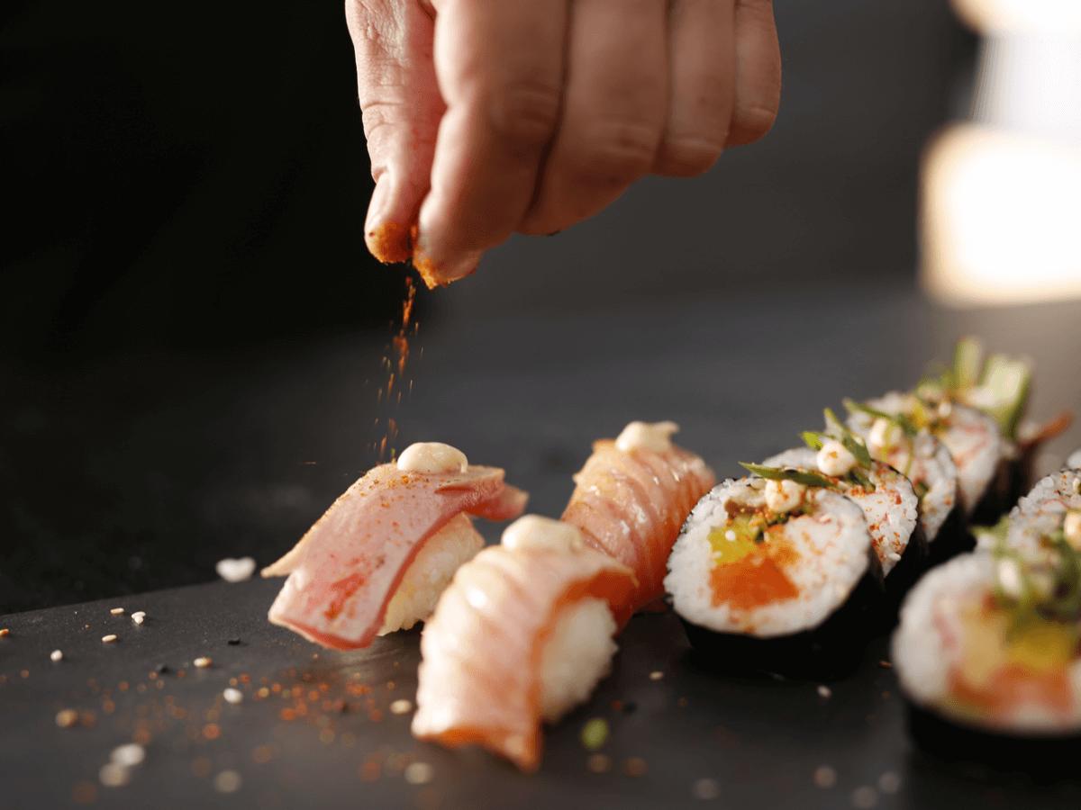 寿司職人は日本の伝統料理を扱う仕事!修行期間・年収・海外求人など徹底解説