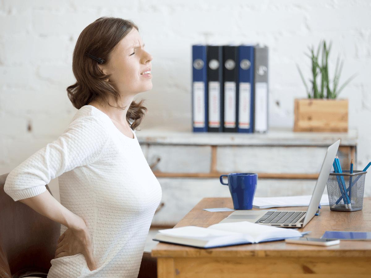 座り仕事をする上で気をつけておきたいことは?腰痛や病気にならないための対策3つ