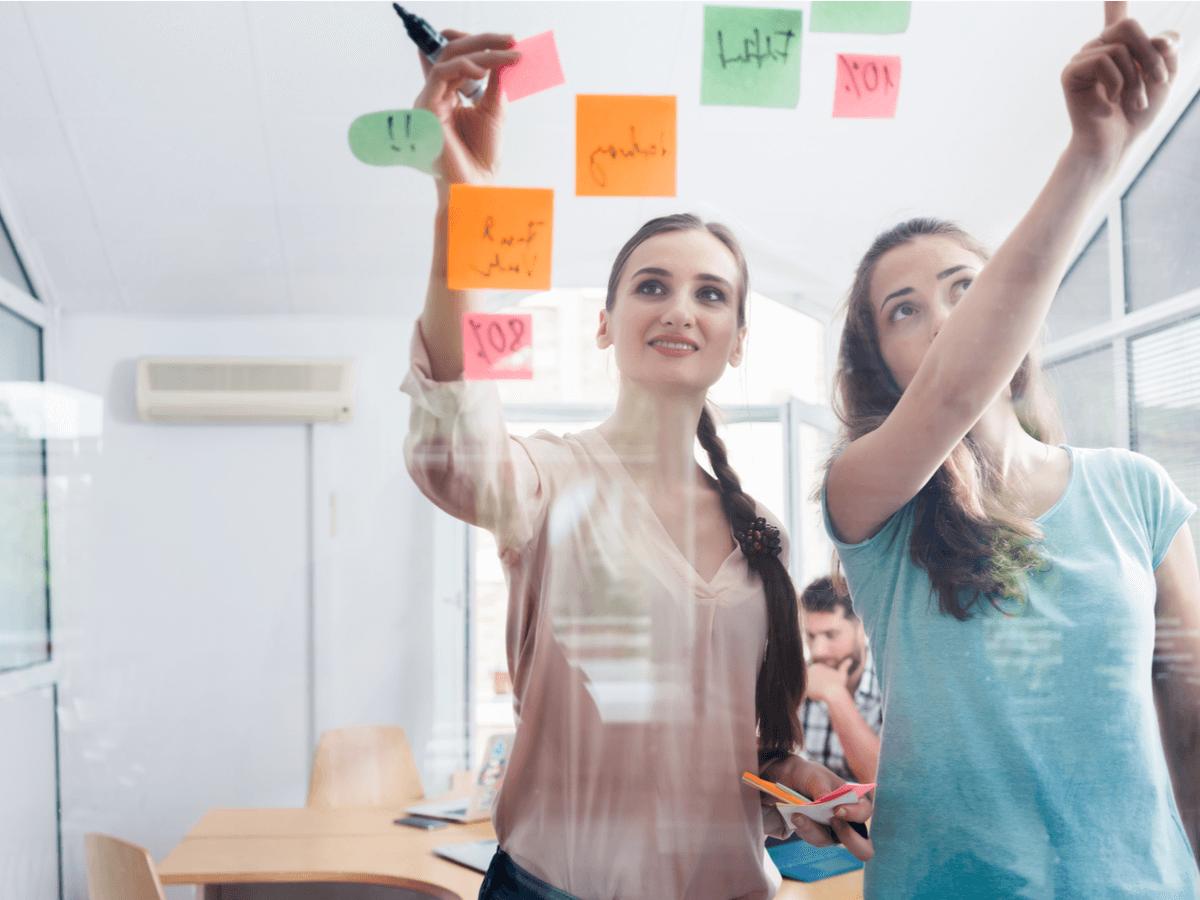 「女性活躍推進法」で女性の働き方はどう変わる?気になるその内容と企業の取り組み例について