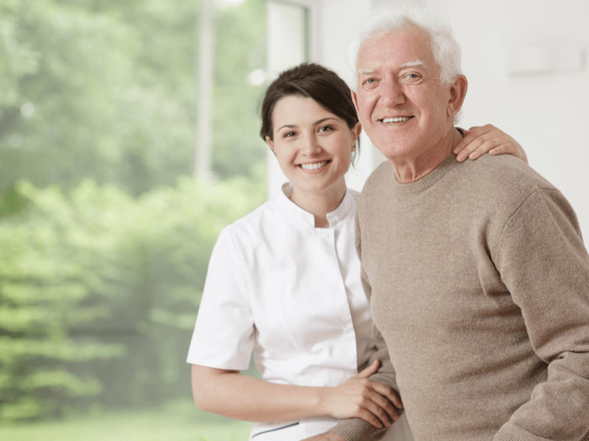 介護福祉士の資格取得のための3つの方法をご紹介!手続きの際に大切なことも知っておこう
