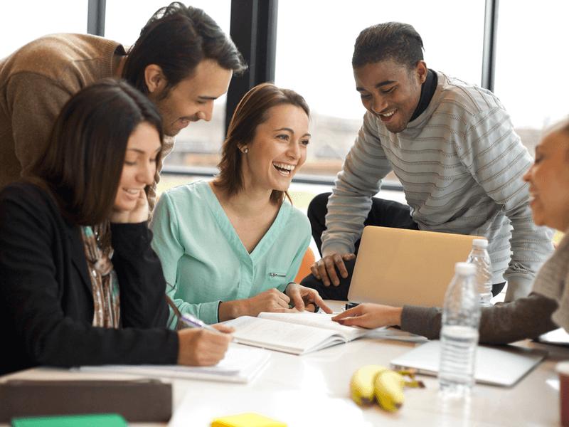 「仕事のモチベーションが上がらない…」と悩む人へ!その原因と上げる6つの方法