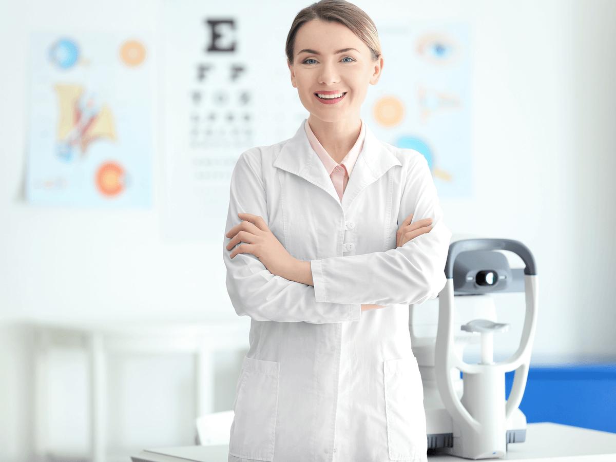視能訓練士になるには資格が必要なの?国家試験の難易度や学校・給料について