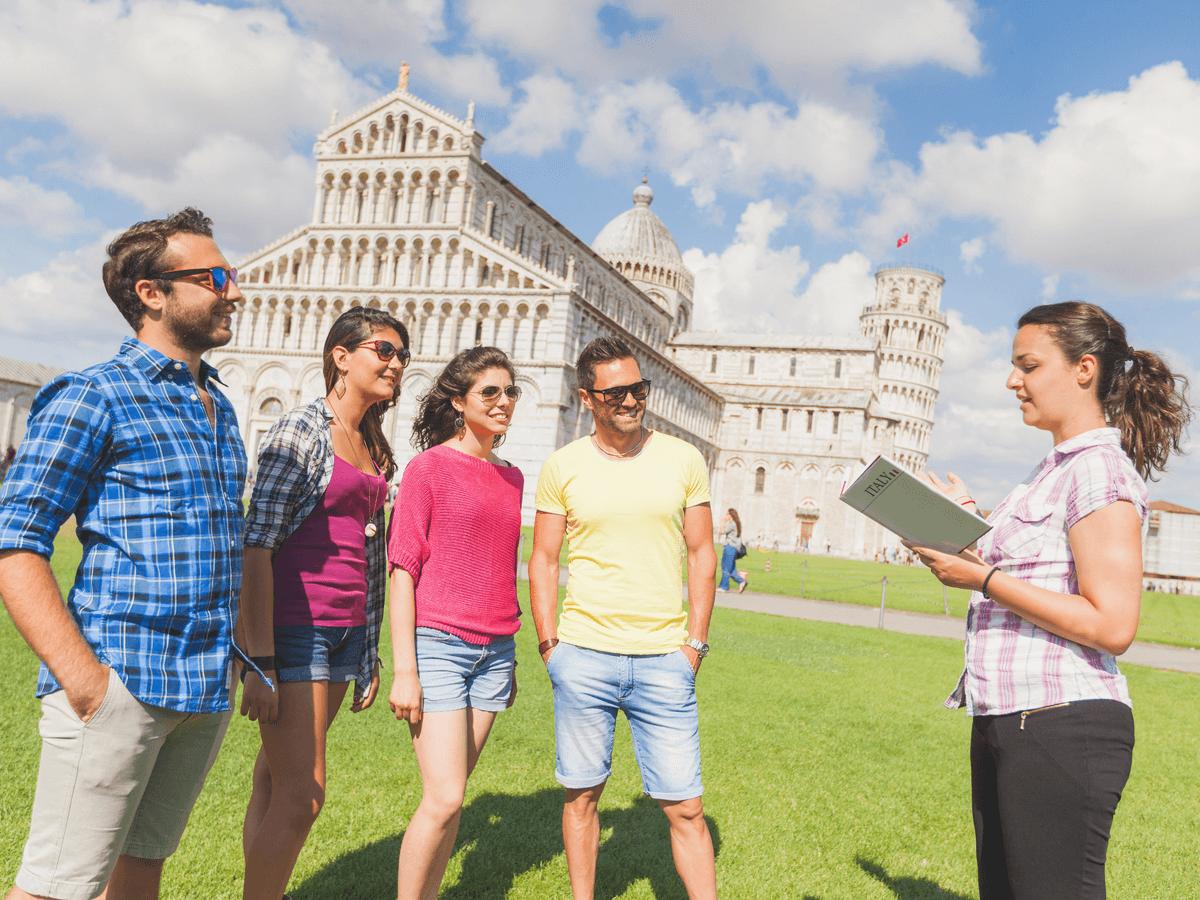 通訳案内士は観光で来た外国人に日本の良さを伝える仕事!知っておきたい国家資格の合格率や試験免除のこと