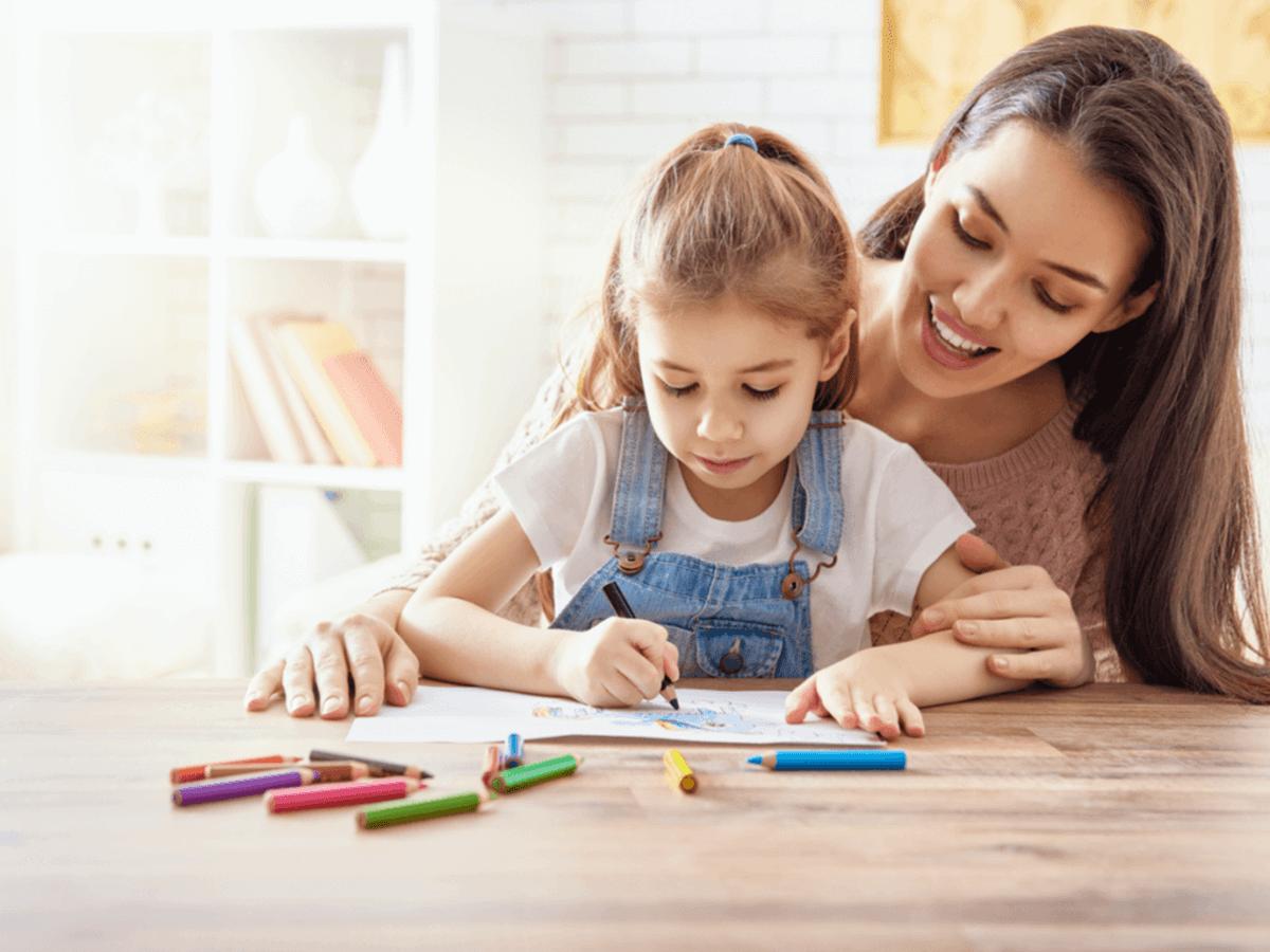 【2019年最新版】児童指導員任用資格の取得方法が知りたい!資格を活かして働ける5つの場所とその役割とは