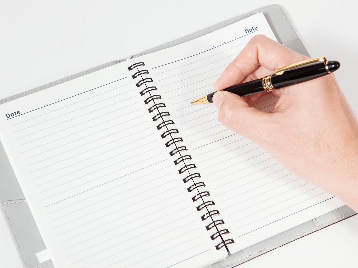 社会人におすすめのスケジュール帳9選!ビジネスシーンで使いやすい手帳の選び方と書き方