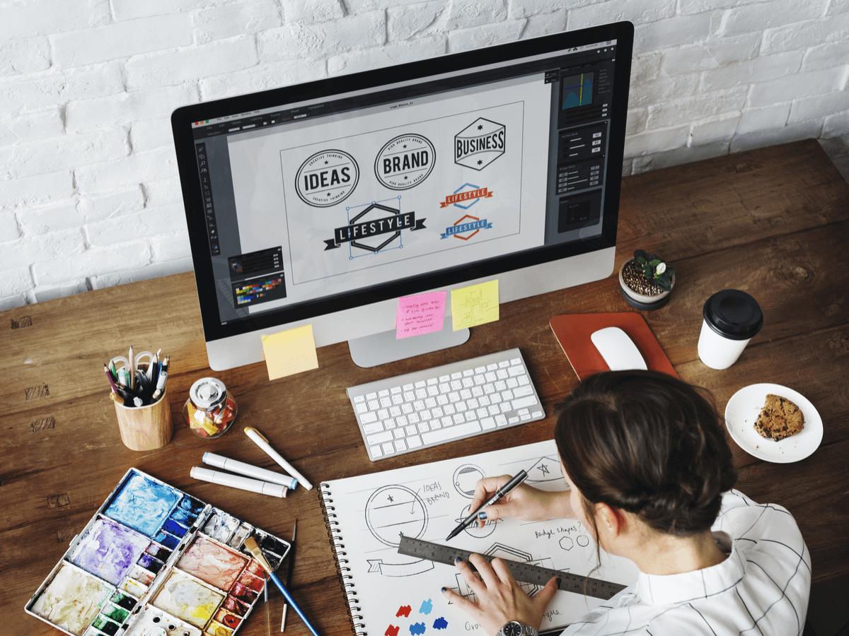 グラフィックデザイナーの仕事内容とは?役立つ資格や学校・就職先について