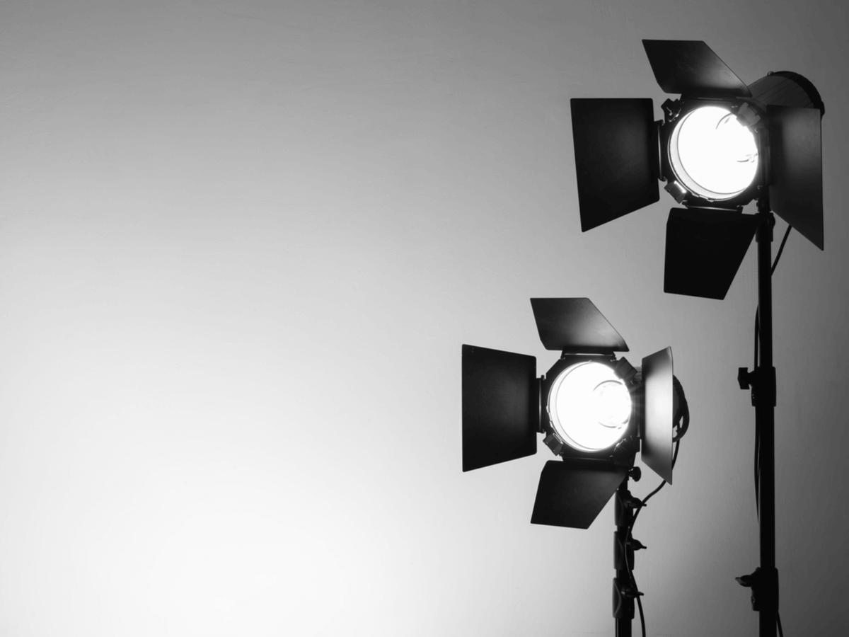 照明スタッフになるには専門学校や大学に通うべき?仕事内容やその魅力・大変さについて徹底解説