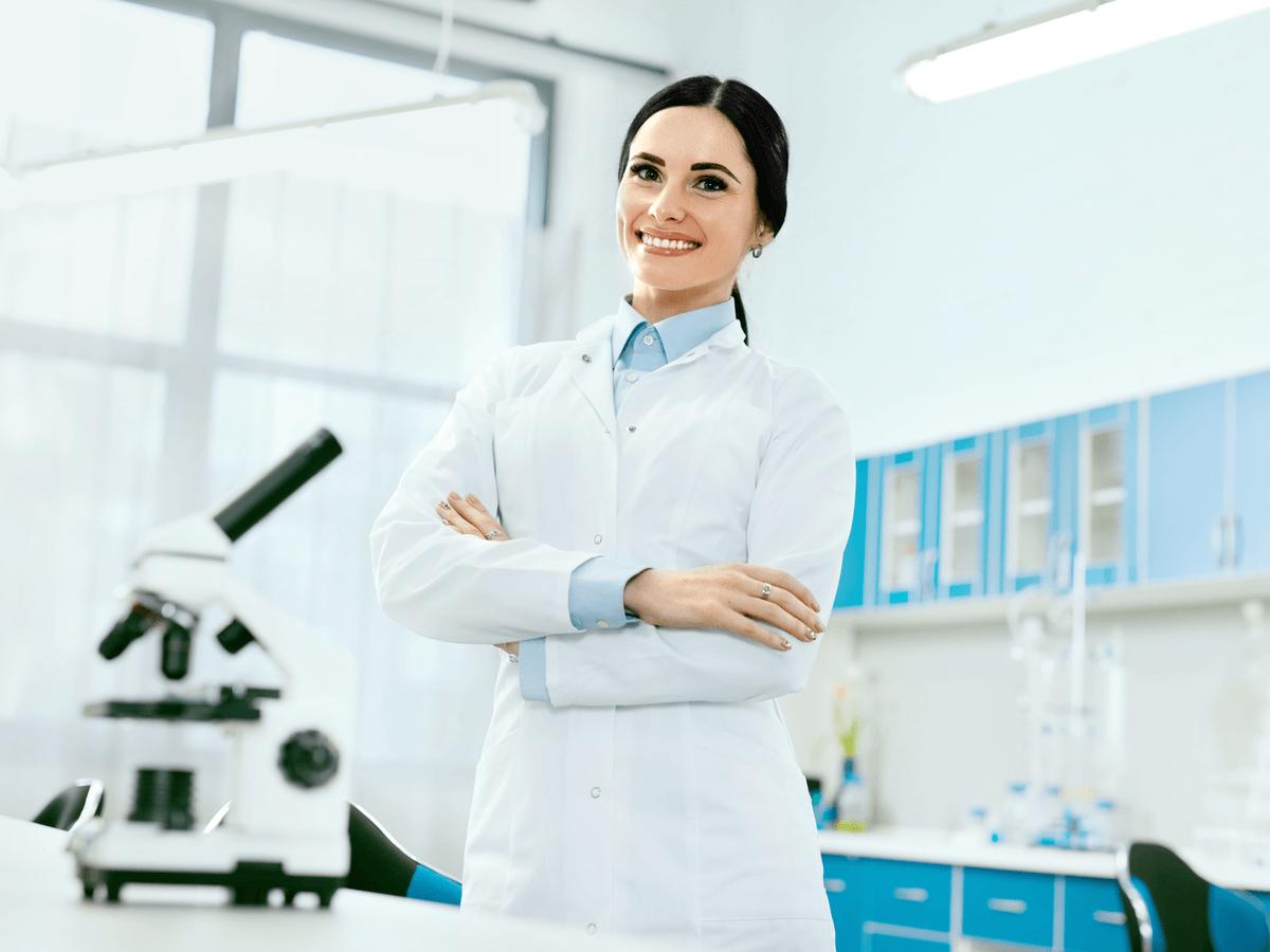 臨床検査技師の求人が少なくなっているって本当?なるために通う大学や気になる年収について