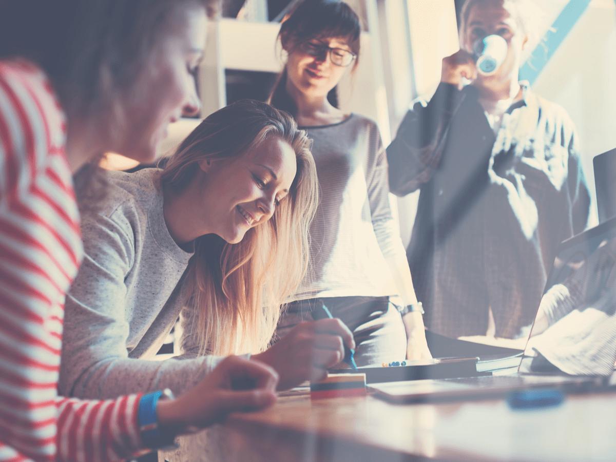 将来性のある仕事とはどんな分野を選べばいいの?AIにはできない職業とは