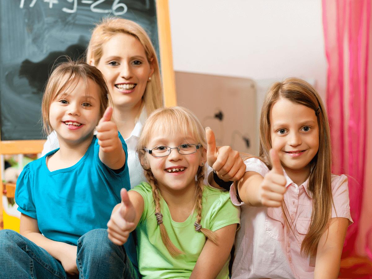 チャイルドマインダーは何人まで子どもを預かることができるの?気になる疑問を徹底解説