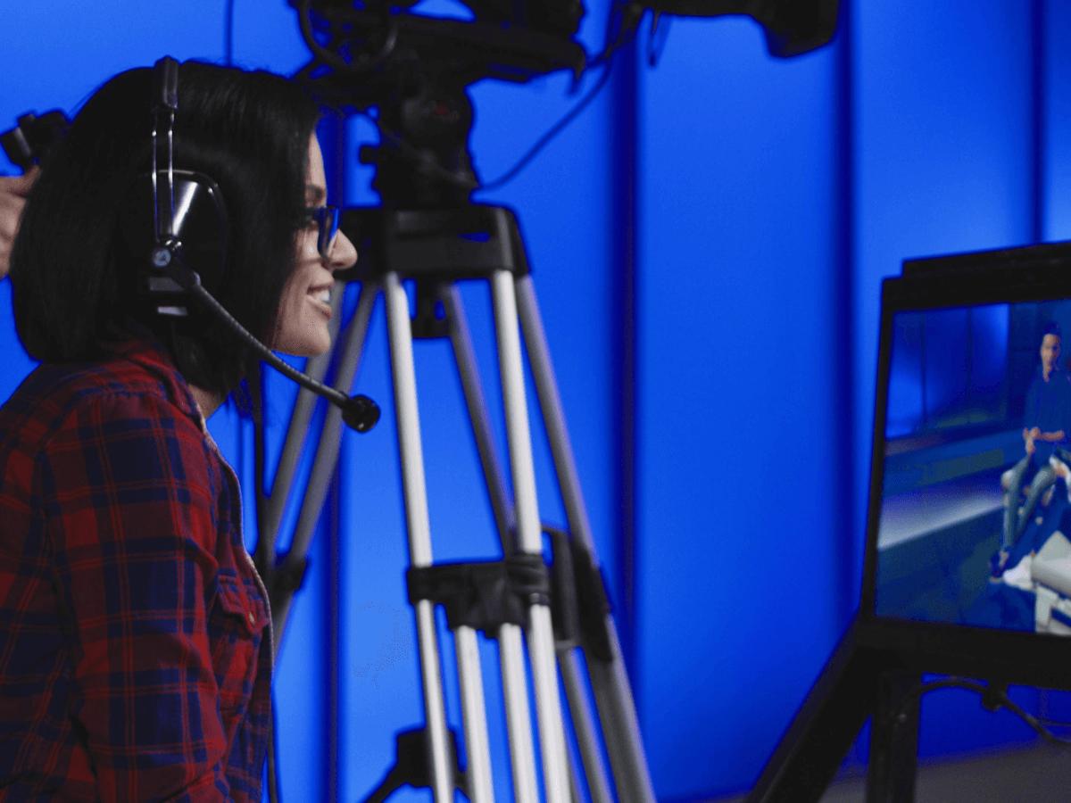 テレビプロデューサーになるには?大学や学歴・必要なスキルについて