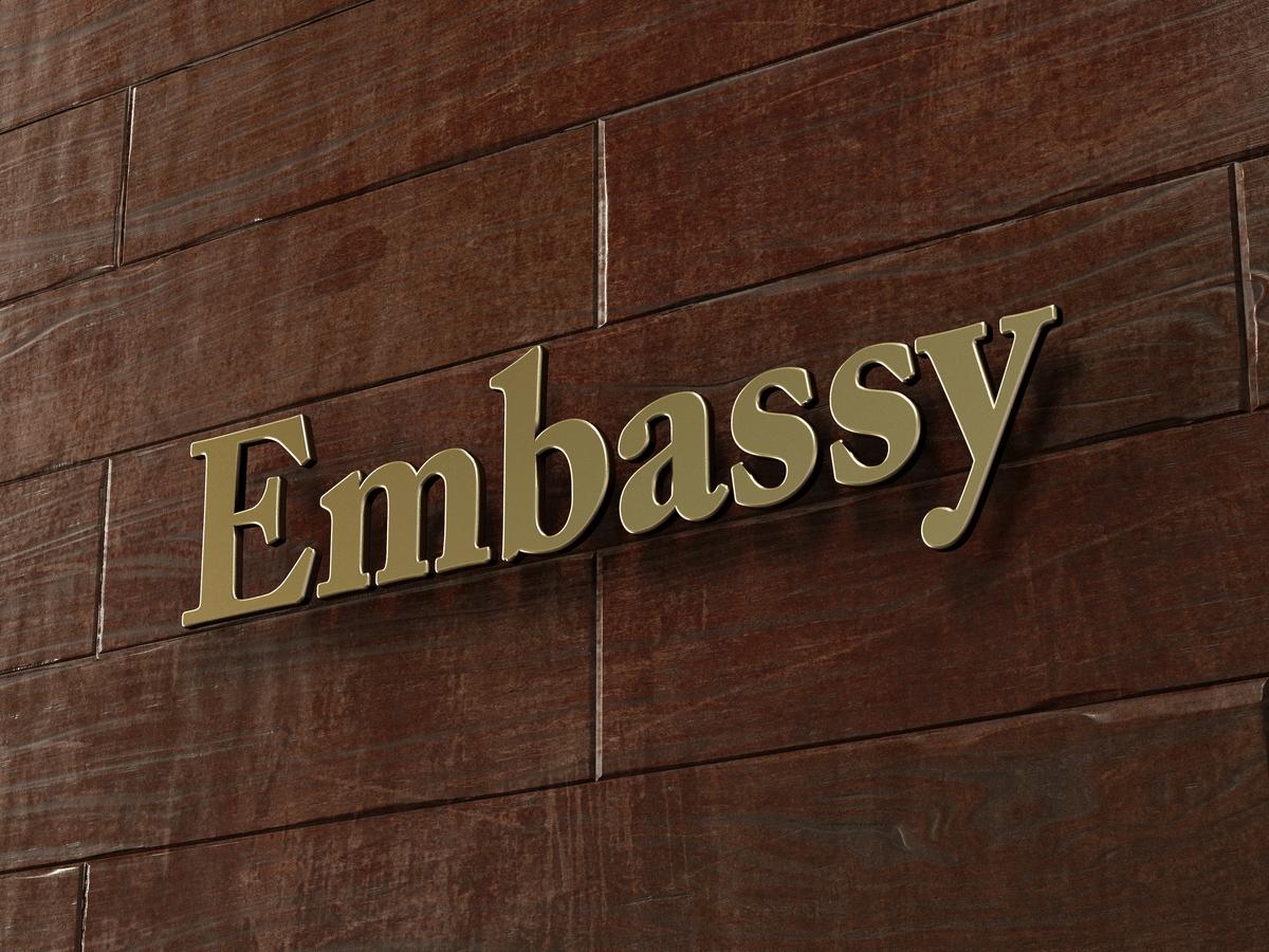 大使館スタッフになるには新卒でも大丈夫?知っておきたい仕事内容と給料・求人情報について