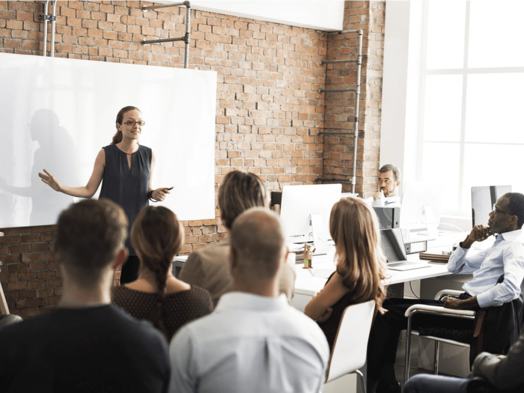 管理職研修とは?研修の目的、内容、おすすめの研修について