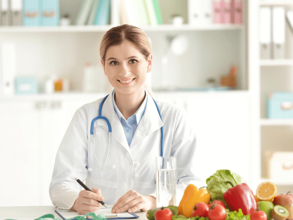 管理栄養士の資格を取得する方法!大学の選び方や国家資格の受験資格と難易度