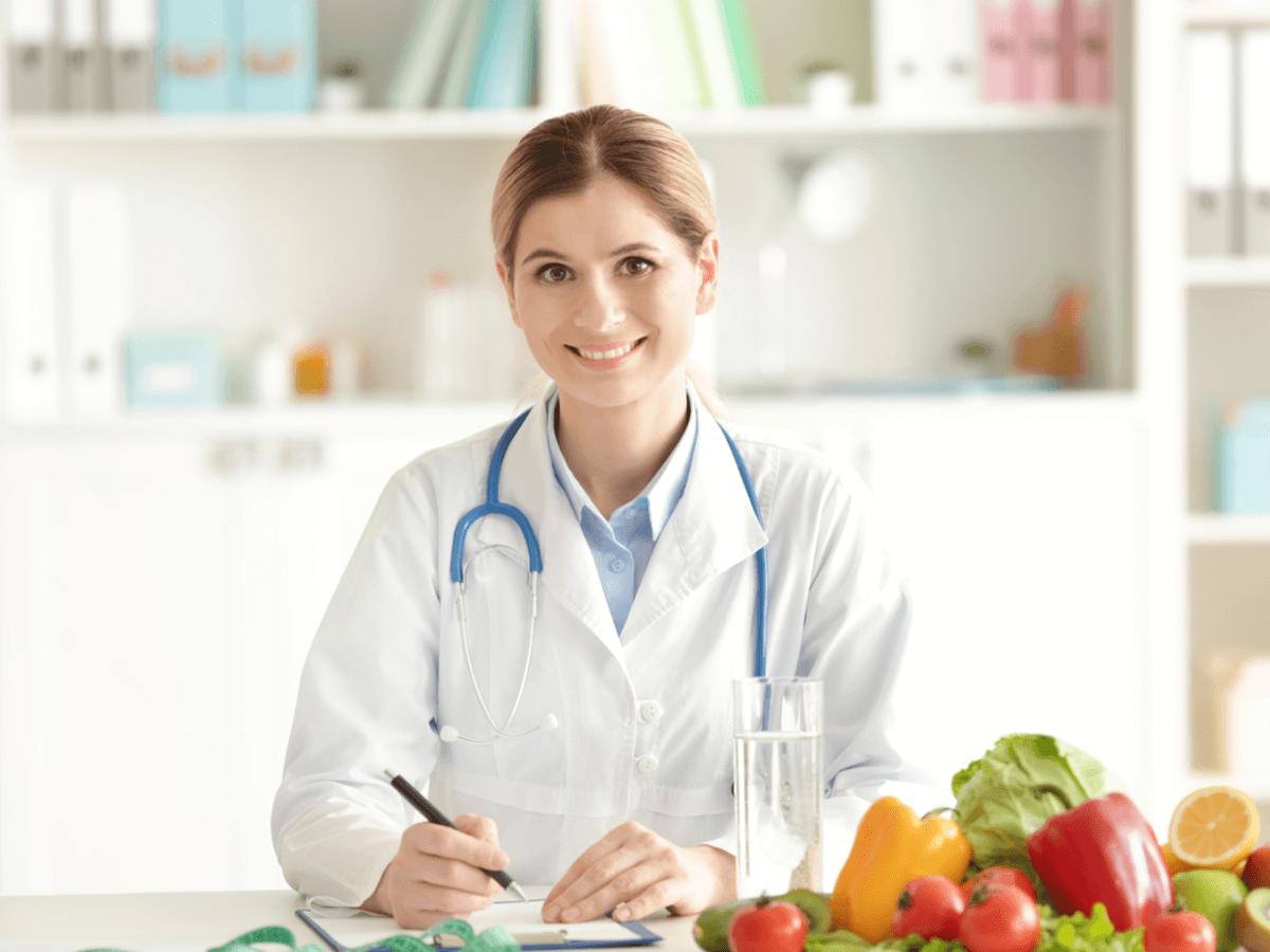 栄養士の仕事を探している人へ4つの事務に特化した求人サイトをご紹介!