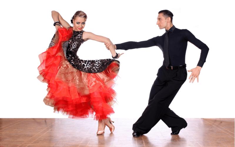 ダンサーを目指す人必見!なり方と話題のダンサーをチェック!